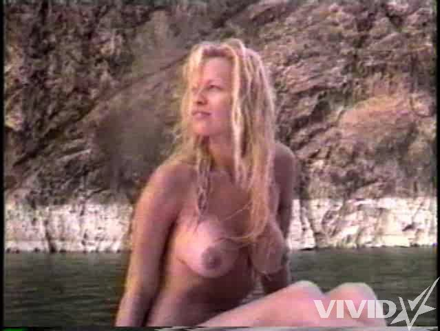 Boobs pamella anderson
